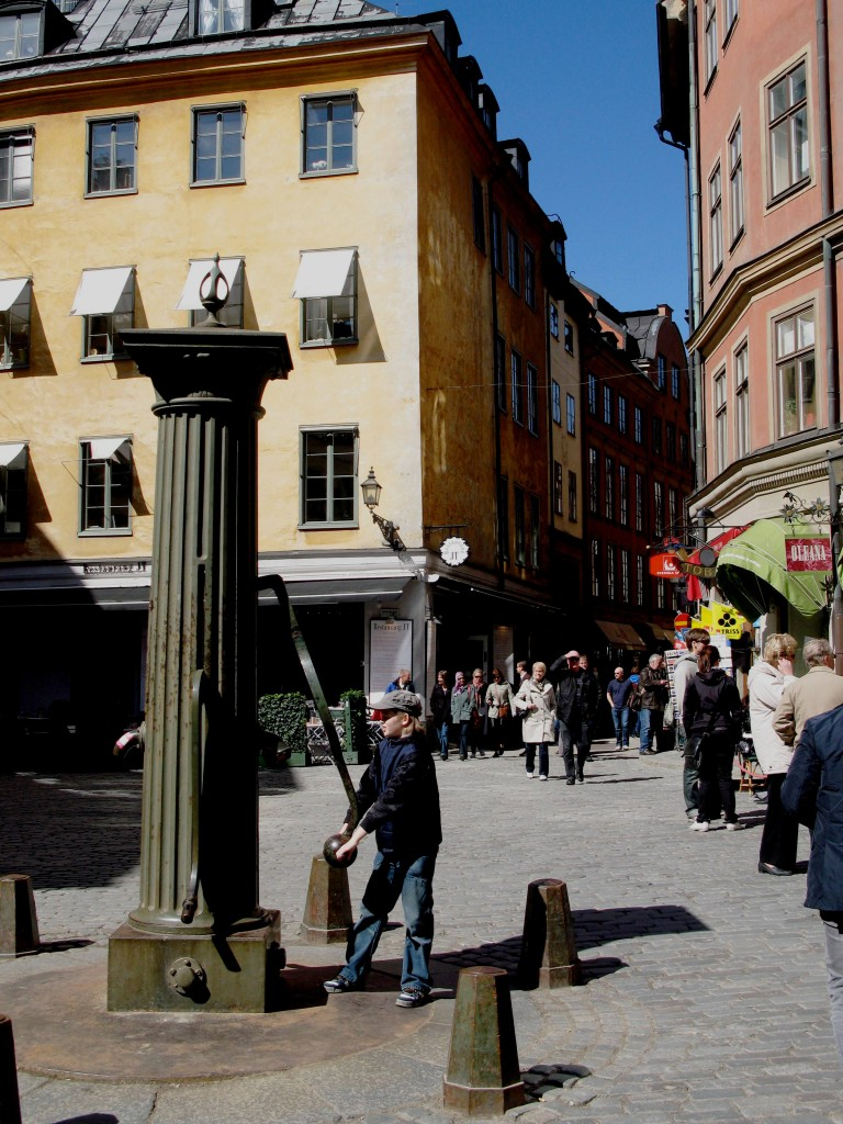 Paying the Price in Stockholm by Coaching Detective